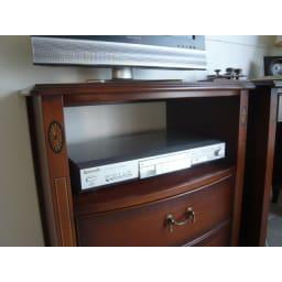 ベネチア調象がんシリーズ オープンテレビ台チェスト デッキが収納できます。