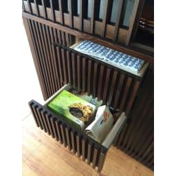 和モダン 格子 ダイニング シリーズ 家電収納庫 幅120奥行48cm 引出の深さは二種類なので、収納物の大きさによって使い分けも可能です。