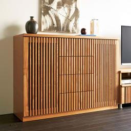 和モダン 格子 リビング収納 シリーズ リビングボード 木目がはっきりとしたタモ材に格子デザインをプラス。(ア)ナチュラル