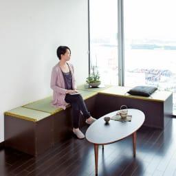 ユニット畳シリーズ 1畳引出し付き 高さ45cm ※写真は高さ45cmタイプになります。 【左からミニ・半畳・1畳・1畳引出し付きの組み合わせ】高さ45cmはベンチとしても使用できます。写真はコーナー使用例。