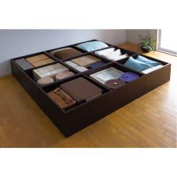 ユニット畳シリーズ お得なセット 4.5畳セット 幅180奥行180cm 高さ45cm ≪4.5畳セットの収納例≫ 収納庫の内側も化粧仕上げで、衣類やファブリック類も安心です。※写真は高さ31cmになります。