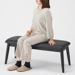 おうちの時間が快適になるオーク天然木ブルックリンダイニングシリーズ ベンチ・幅105cm 大人2人が座って丁度良いサイズ感です。