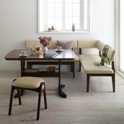 コンパクトLDラウンジダイニング 棚付きテーブル・幅115cm 棚にはティッシュボックスや雑誌なども収納できて便利です。