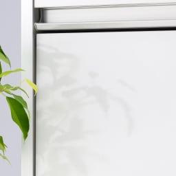 大型レンジがスッキリ隠せるダイニングボードシリーズ 引き出しタイプ・幅57.5cm マットなホワイトカラーは清潔感のあるキッチンを演出してくれます。