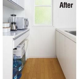 キッチン通路をキレイにする!下オープンダイニングシリーズ キッチンボード・幅90cm高さ190cm After 下オープン部にすっぽり収納!!キッチン通路がスッキリして広々使えます。