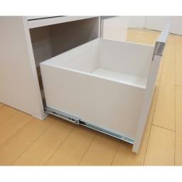 組立不要!家電を隠せるキッチン収納シリーズ レンジラック幅59.5cm 引き出し内部も化粧を施してあります。 ※引出内寸:幅50奥行38.5高さ32.cm(2Lペットボトルが入ります。)