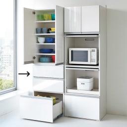 組立不要!家電を隠せるキッチン収納シリーズ 食器棚幅59.5cm 棚と引き出しでコンパクトながら収納力もしっかり。