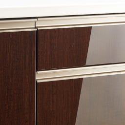 高機能 モダンシックキッチンシリーズ キッチンボード 幅140高さ178cm(カウンター高さ85cm) 光沢木目調の前板は汚れ落としも簡単。取っ手は面材の色調に馴染むブロンズ調。