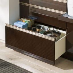 高機能 モダンシックキッチンシリーズ キッチンボード 幅140高さ178cm(カウンター高さ85cm) 向かって左の引出しは静かに閉まるサイレントレールを使用。