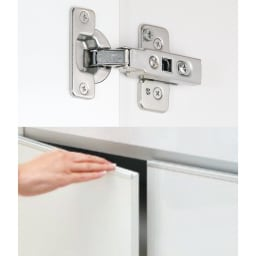 奥行30cm 5枚扉・幅144.5cm 扉タイプ 高さサイズオーダー収納庫 扉タイプは耐久性のあるブルム社製スライドヒンジを使用。取っ手は手がかけやすく、出っ張りがないフラット仕上げです。