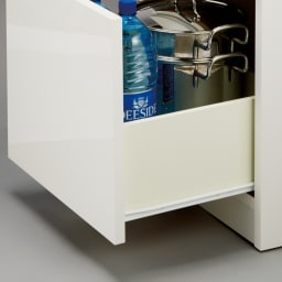 組立不要!幅1cm単位で124サイズから選べるすき間収納庫 ロータイプ 幅15~30cm・奥行45cm 引き出しはスムーズに開閉できるコロレール付き。重いものを入れても安心。