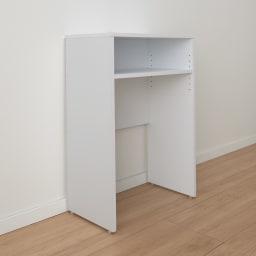 ゴミ箱上を有効活用!キッチンカウンター作業台 幅59cm・奥行34cm 幅木よけ付きで、壁ぴったりに設置できます。背板は壁のコンセントをふさがない仕様です。