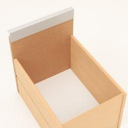 上品な清潔感のあるアクリル扉のキッチンすき間収納 幅15cm・奥行44.5cm 引出しの底板は化粧仕上げで、簡単なお手入れも出来ます。