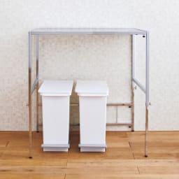 幅と高さが伸縮できるステンレス作業台 幅46~75cm 奥行60cm 【ゴミ箱の上に】作業台下は、ダストボックスの指定席に。