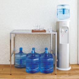 幅と高さが伸縮できるステンレス作業台 幅76~120cm 奥行30cm 【飲料ストックの上に】場所をとる飲料のストックもすっぽり。