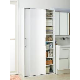 すっきり隠せる薄型引き戸収納庫 幅90cm 洗面所まわりの収納物を一気にまとめて収納。スッキリと片付いた、気持ちのいいサニタリー空間を演出します。