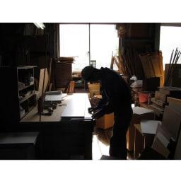 水回りでも安心の光沢洗面所チェスト 扉付きハイタイプ・幅44.5cm 国産老舗家具メーカーの熟練された職人がひとつずつ、丁寧に仕上げた商品です。