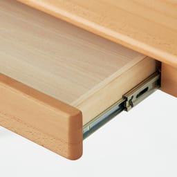 ふっくらとしたナチュラルデスク デスク 幅70cm 引き出しはすべて開閉スムーズなスライドレール付き。