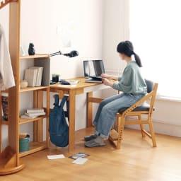 頭のいい子を目指すデスクシリーズ デスク 大人も使える便利サイズ。