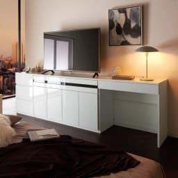テレワークにも最適 ラインスタイルハイタイプテレビ台シリーズ デスク・幅90cm コーディネート例(イ)ホワイト