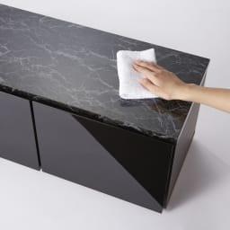 大理石調天板アーバンモダンテレビボード 幅180cm 天板は熱や汚れに強く、お手入れもラクなメラミン化粧合板。