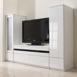 ラインスタイルシリーズ テレビ台 幅99cm 光沢が美しく、圧迫感を軽減してくれるホワイト。