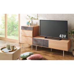 セラミック調ガラスのスタイリッシュテレビ台 幅180cm 色見本(イ)オーク ※写真は、テレビ台幅120cmです。