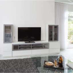 ソファや椅子からも見やすい高さ60cmの テレビ台 幅120cm (ア)ホワイト色見本 ※写真はキャビネット幅40、テレビ台幅180、キャビネット幅60です。