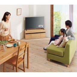大型テレビが見やすいスイングコーナーテレビ台 幅110cm どこからでもテレビが見えるから、家族みんな笑顔に♪