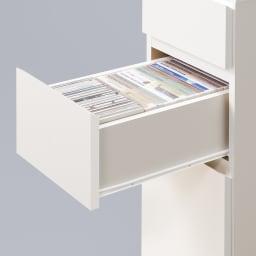 デスクサイド収納ラック 幅30奥行46.5cm (高さ150/180/210cm) 中サイズの引出し(2段目)は、ブルーレイやDVD、CDがきれいに収まります。スライドレールで開閉スムーズです。
