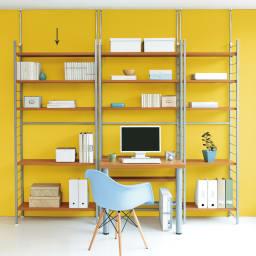 突っ張り式高さ調節シリーズ シェルフラック 幅90奥行30cm (ア)ナチュラル 圧迫感なくお部屋がすっきりします。