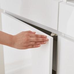 スイッチ避け壁面収納シリーズ 収納庫タイプ(上台オープン・下台引き出し・背板あり)幅75cm奥行30cm プッシュ扉で開閉簡単。取っ手がなく、すっきり隠して収納できます。
