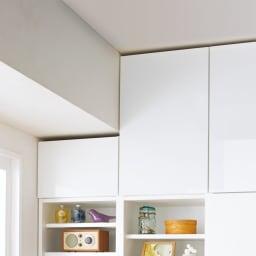 スイッチ避け壁面収納シリーズ 高さオーダー対応突っ張り上置き 奥行30cm 幅45cm・高さ61~80cm(1cm単位オーダー) 梁 1cm単位で高さオーダーできる上置きで梁のある天井にも対応。