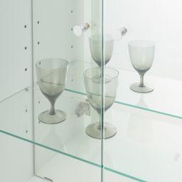 美しくしまうハイクラス壁面収納シリーズ 収納庫 LED付きガラス扉 ガラス棚 幅39cm ガラス扉で「見せる」「ほこり対策」を両立 ライトの光が透過し収納部に広がるガラス棚。グラス等を引き立てます。