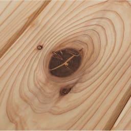 国産杉 薄型頑丈タワーシェルフ 幅60高さ89.5cm 国産杉の自然な節を活かしたナチュラルな仕上げ。※節の状態によってパテ補修を施していますこと、ご了承ください。