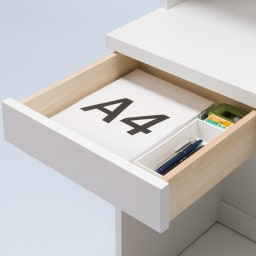モダンブックライブラリー チェストタイプ 幅60cm 小引き出しは小物の整理収納に便利。
