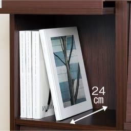 奥行29.5cm 薄型マガジンキャビネット 上段 扉タイプ1段3列[高さ40.5・幅113cm] 収納部の耐荷重は約15kg。フルにLPを入れても充分に耐えられる強度を持っています。奥行24cmのマガジンサイズです。