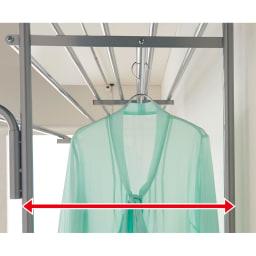 奥行53cm 上下カーテン付き突っ張り頑丈ハンガーラック ハイタイプ・【ワイド】幅195~273.5cm 洋服を掛けるのにぴったりの奥行なので服の肩がぶつからずスッキリ。