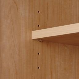 システム壁面ワードローブ ハンガー&引き出し・幅80cm 可動棚板は3cm間隔5段階で調節可能。また、飛び出しや跳ね上がりも防ぐストッパー付きダボ(金具)で固定します。