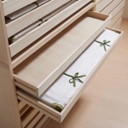 ウォークインクローゼット総桐着物収納シリーズ 盆収納6杯・高さ75cm 盆も桐材で作られています。