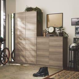 インテリアに合わせて8色&13タイプから選べるシューズボックス 扉 幅60高さ180.5cm 色見本(ク)グレーウォルナット木目