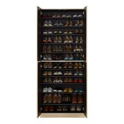 インテリアに合わせて8色&13タイプから選べるシューズボックス 扉 幅90高さ180.5cm 収納イメージ ※写真は幅75cmタイプです。