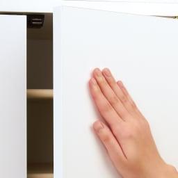 並べても使える 突っ張り式ユニットシューズボックス 天井高さ214~224cm用・幅80cm[紳士靴対応] 扉の開閉はプッシュ式で、取っ手がなくすっきり。