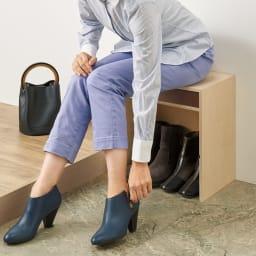 小物引き出し付き 玄関ベンチ スツール  幅60cm 奥行25cm 高さ42cm (イ)ブラウン ※ベンチに座れば、ブーツの脱ぎ履きもラクラク。 ※写真は幅40cmタイプです。