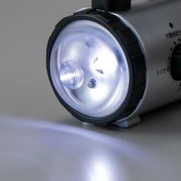 アイフォン充電対応防災ラジオライト LEDサーチライト。