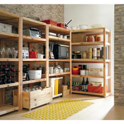 国産杉の無垢材キッチン収納 パントリーキッチンラック 幅119奥行51cm 使用イメージ
