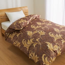 ポーランド産マザーグースプレミアム羽毛掛け布団 同柄超長綿掛けカバー 上品な総柄が寝室をエレガントに彩ります。