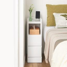 すき間ナイトテーブル (ア)ホワイト 寝室のベッドサイドワゴンとして※写真は幅20cmタイプです。
