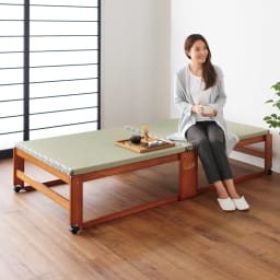 畳空間を簡単に演出できる折りたたみベッド ハイタイプ(棚なし) ハイタイプの床面は、立ち座りのしやすい高さ40cmの設計でゆったりとくつろげます。