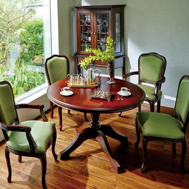 クラシカルロイヤル ケントハウスシリーズ ラウンドテーブル・幅110cm 伝統と格式を兼ね備えたデザインの丸テーブル。 ※お届けはラウンドテーブルです。